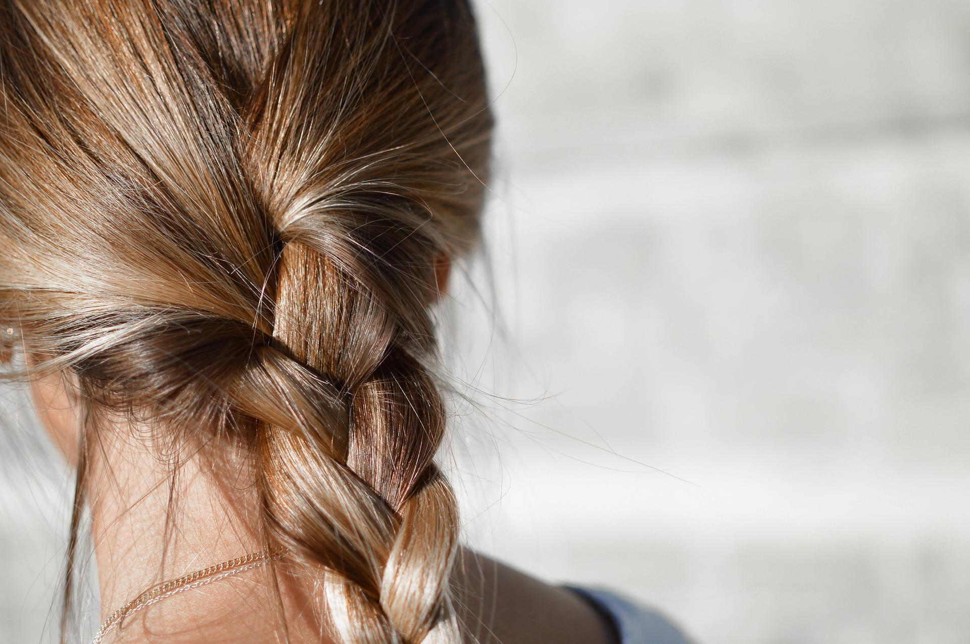 Moringa cheveux aide à nourrir, protéger et faire briller les cheveux secs et fragiles