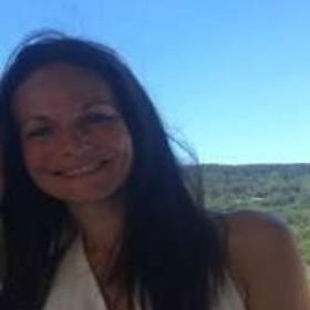 Photo de profil de Nadine Cremades, naturopathe et réflexologue