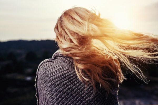 La spiruline a un effet naturel sur la santé du cheveu.